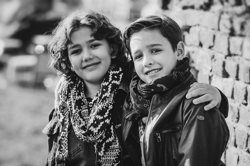 Fotografia di famiglia, ritratto di bambini a Chieri, fratelli