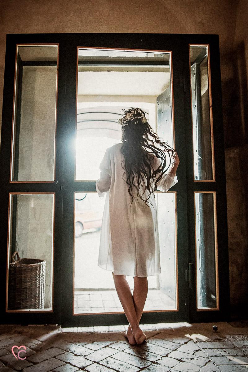 Fotografo matrimonio Torino, matrimonio bohochic,elopement, matrimonio d'autunno, stylede shooting, alla Torre valgorrera, preparazione della sposa, abito di Liù Atelier