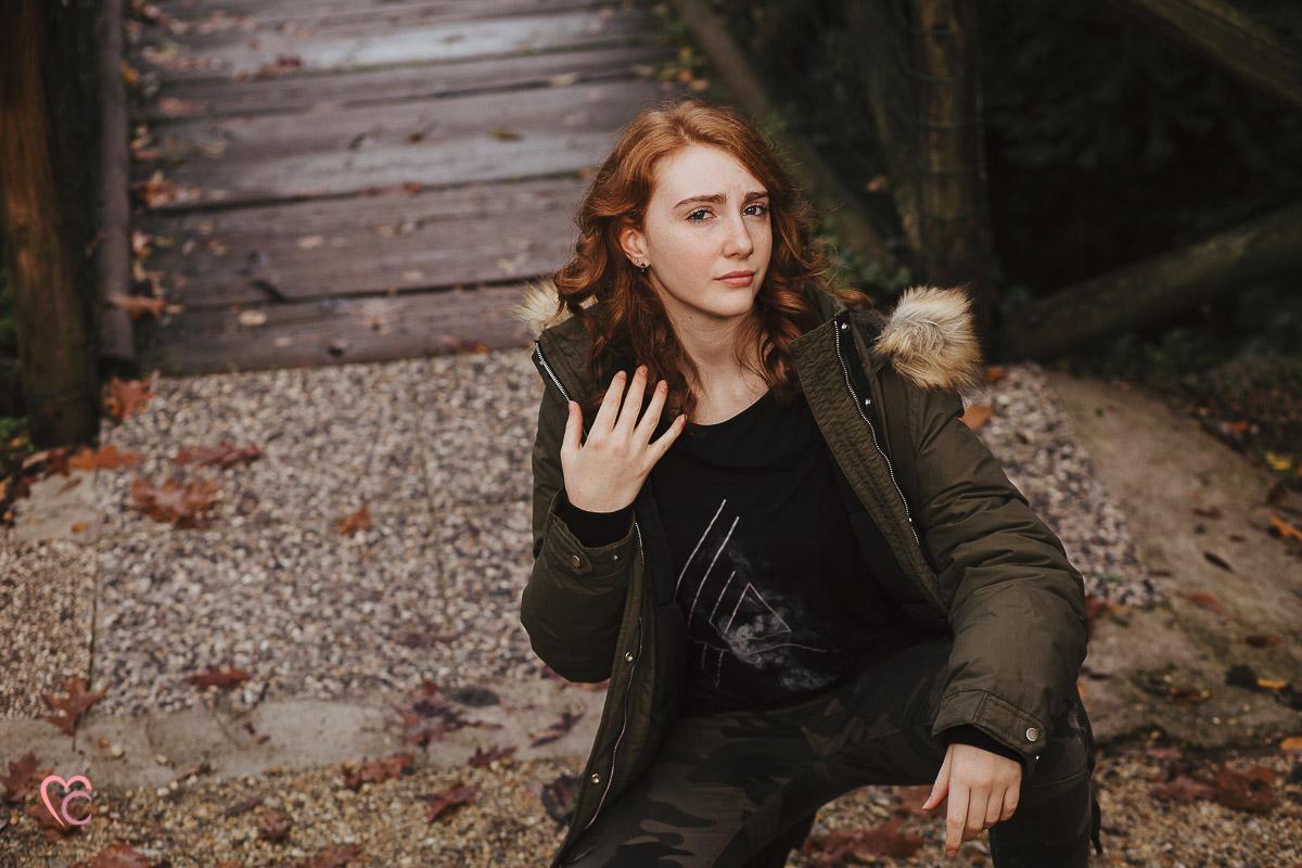 Book fotografico, fotografia di ritratto, teen portrait, ritratto di teenager, ritratto di ragazza dai capelli rossi, in esterno, a Chieri