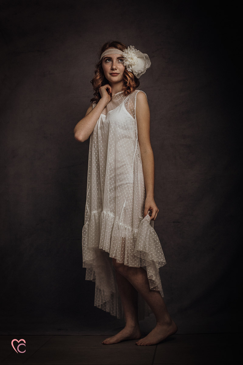 Book fotografico, fotografia di ritratto, teen portrait, ritratto di teenager, ritratto di ragazza dai capelli rossi, in studio, ritratto vintage, Retroreal, ispirato agli anni '20, flipper girl