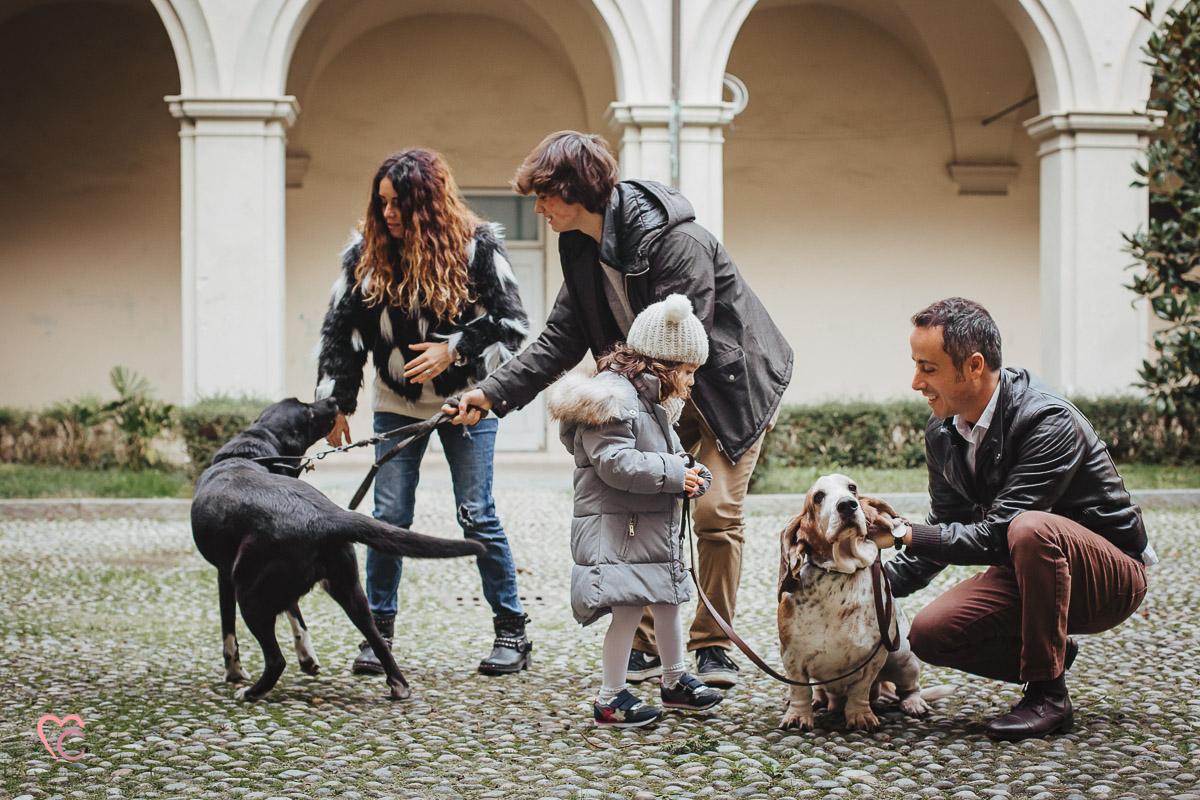 Winter family session, Fotografia di famiglia, servizio fotografico di famiglia a Chieri, Inverno,cani