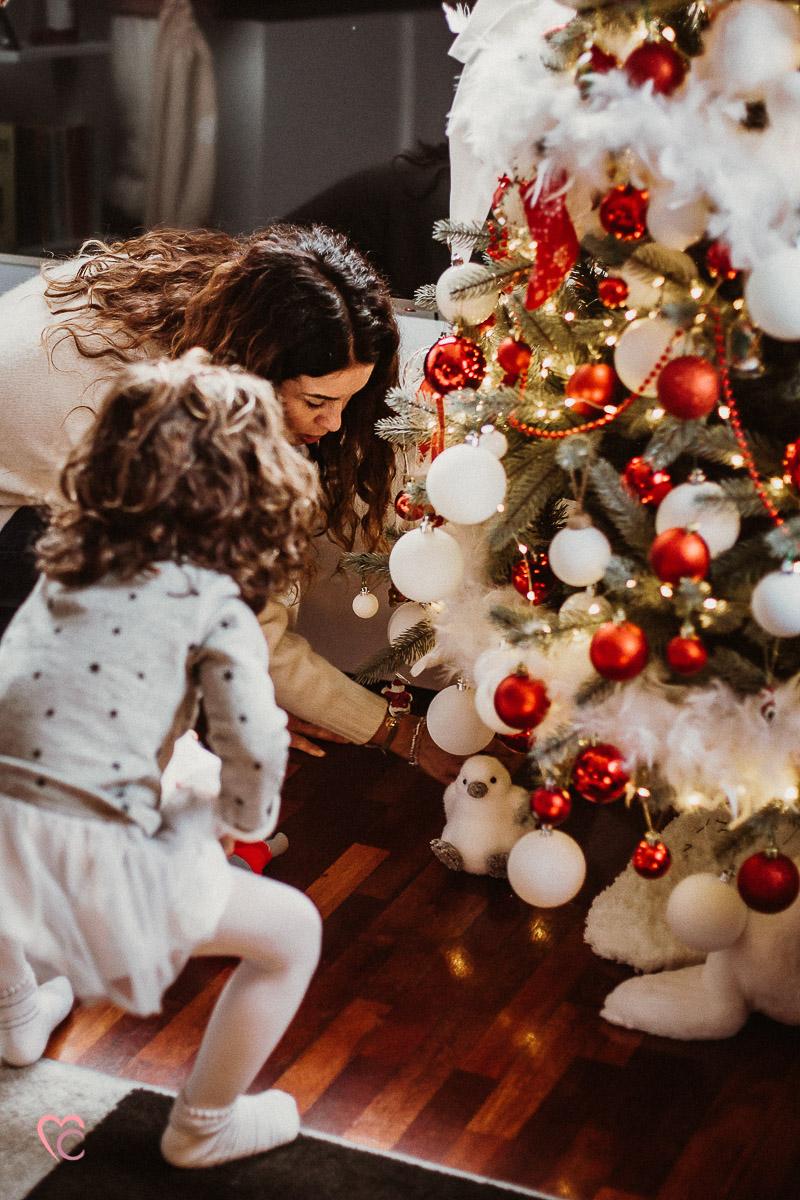 Fotografia di famiglia natalizia a Chieri, Christmas family session a casa