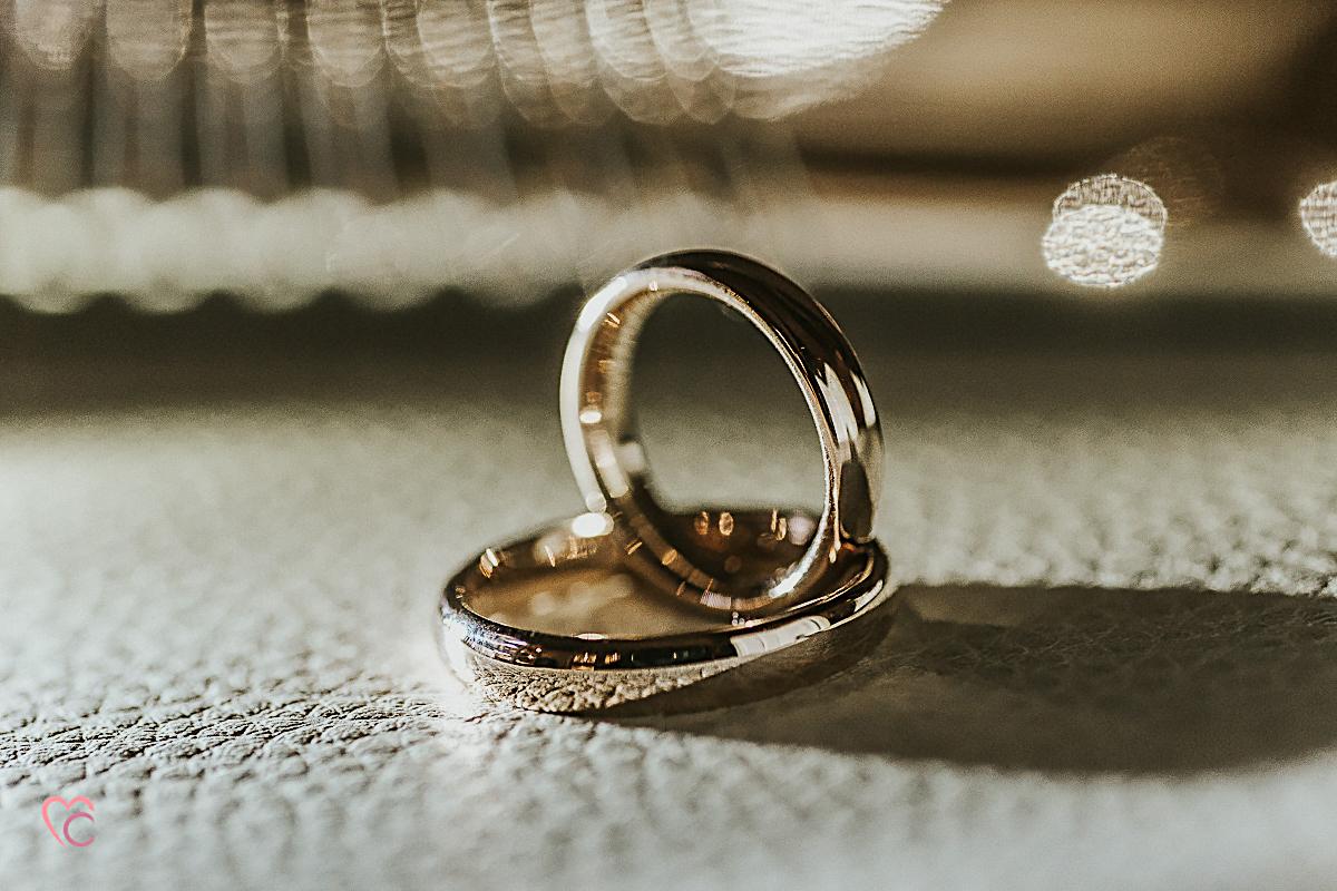 Fotografo matrimonio Torino, fedi nuziali classiche, confort in oro rosa