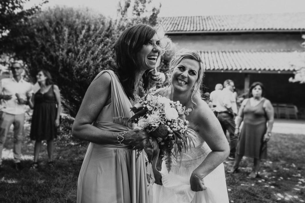 Fotografo matrimonio Torino, alla Tenuta Sant'Anna, Castagnole Piemonte,Torino,ricevimento,lancio del bouquet