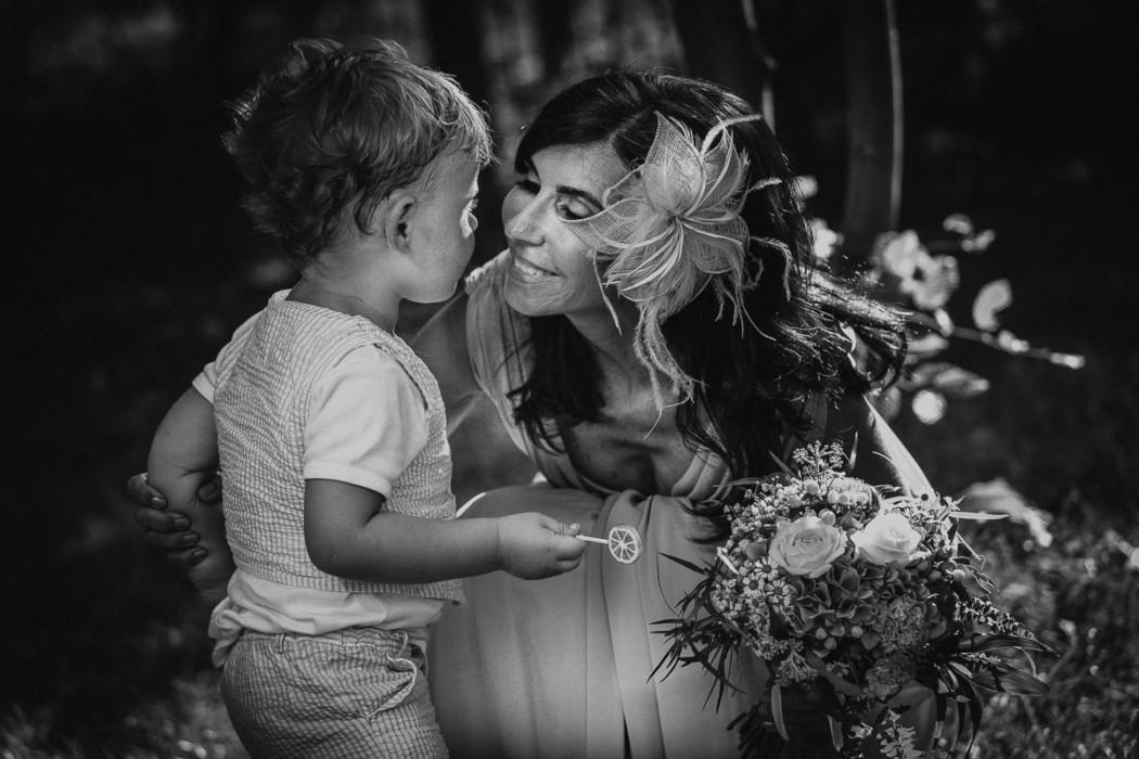 Fotografo matrimonio Torino,matrimonio alla Tenuta Sant'Anna, Castagnole Piemonte,Torino,ricevimento,mamma e bambino, fotografia di famiglia