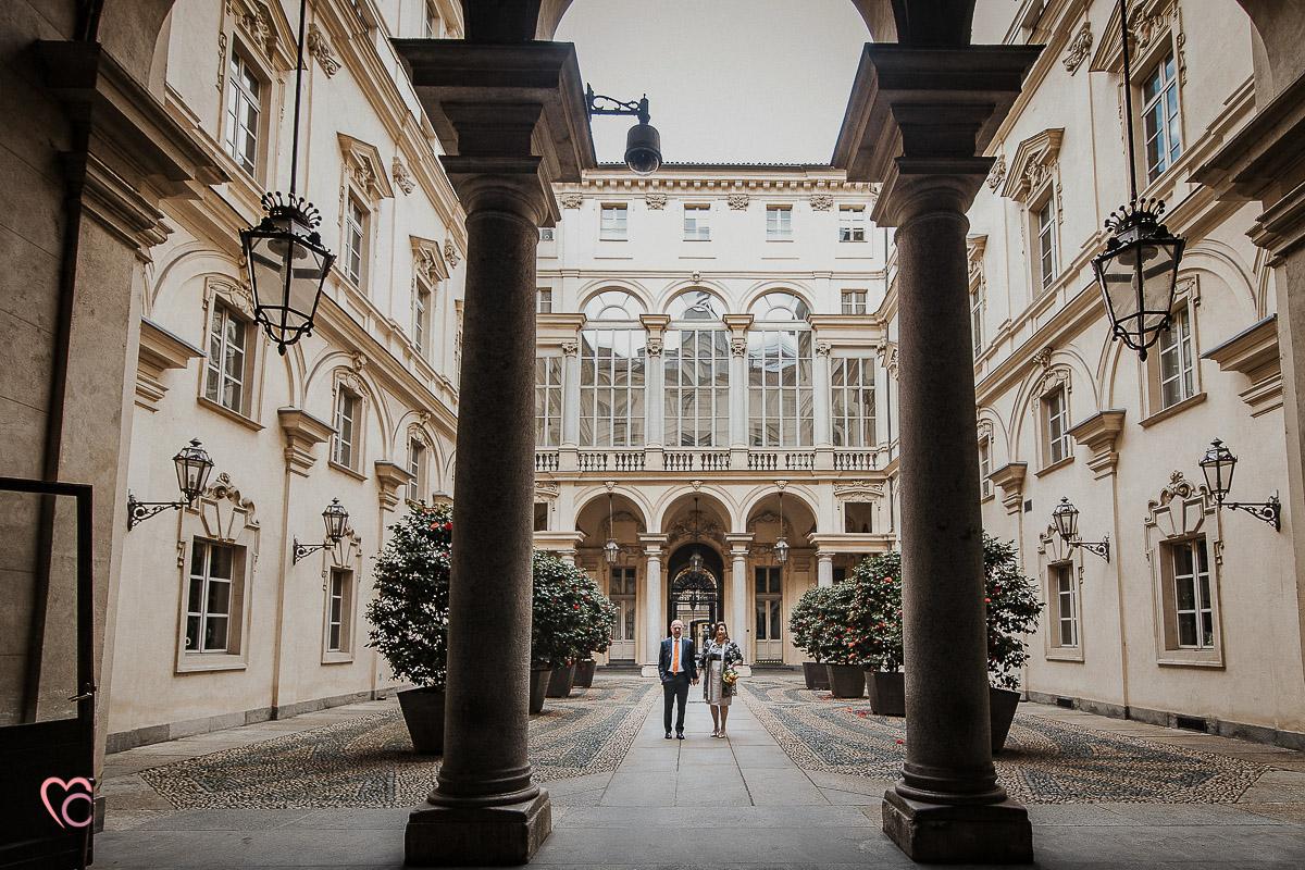 Fotografo matrimonio Torino, cerimonia civile alla sala Juvarra,fotografie nel palazzo civico