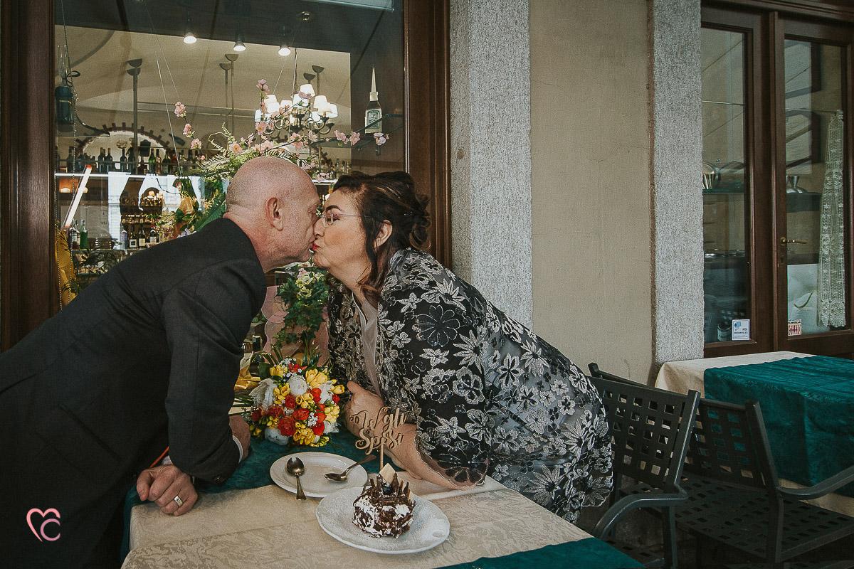 Fotografo matrimonio Torino, cerimonia civile alla sala Juvarra,colazione al Bar Conte Verde