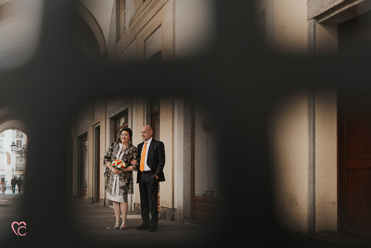 Fotografo matrimonio Torino, cerimonia civile alla sala Juvarra,servizio di coppia in Piazza palazzo di Città e vie limitrofe