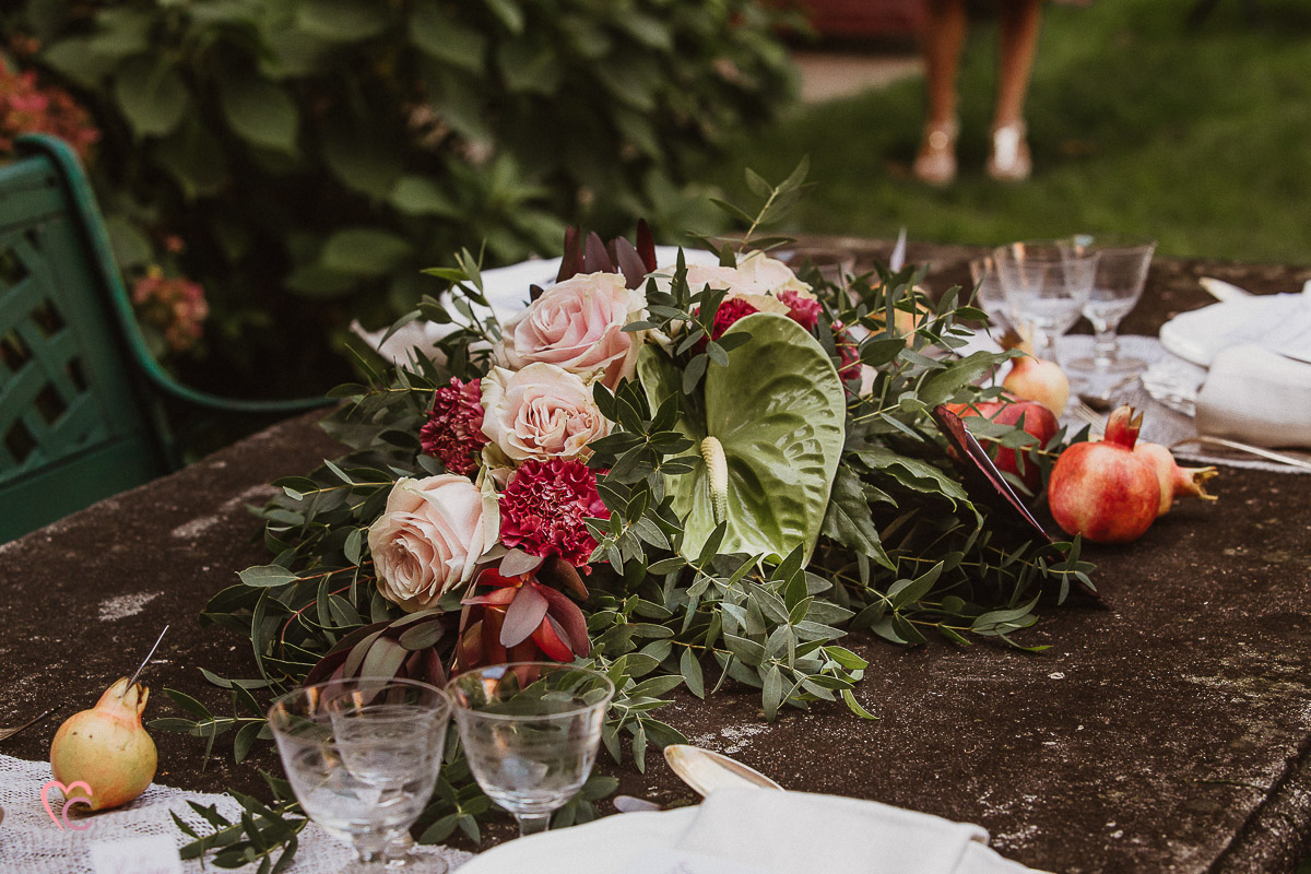 Matrimonio in autunno alla Torre Valgorrera di Poirino (TO) fotografo matrimonio Torino, tavola, bouquet
