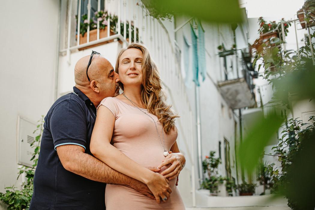 Servizio fotografico di gravidanza ad Ostuni di Natalia e Fabio