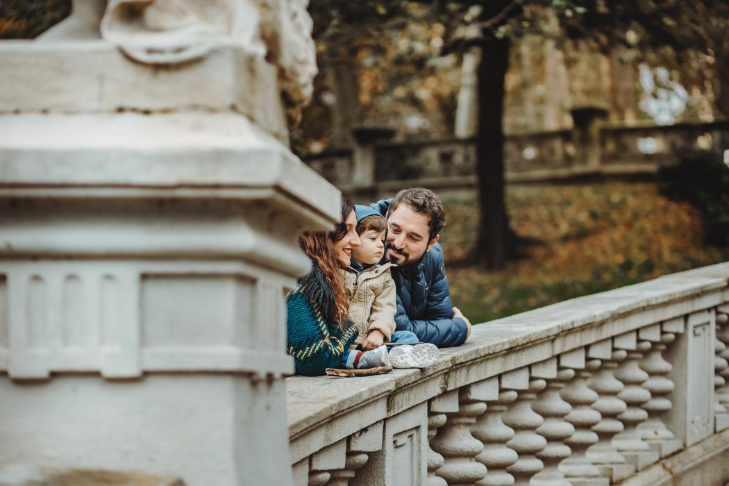 Sessione fotografica autunnale di famiglia a Torino nel Parco del Valentino