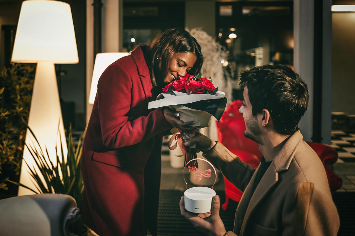 Proposta di matrimonio a tema san Valentino all'Atelier Bonetto di Chieri, Nina e Riccardo