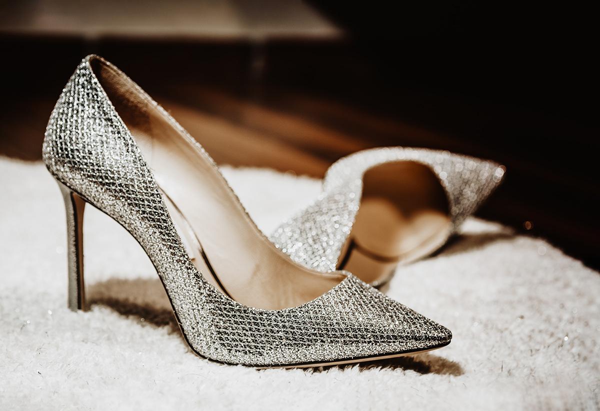 Matrimonio-invernale-a-Torino-scarpe-della-sposa