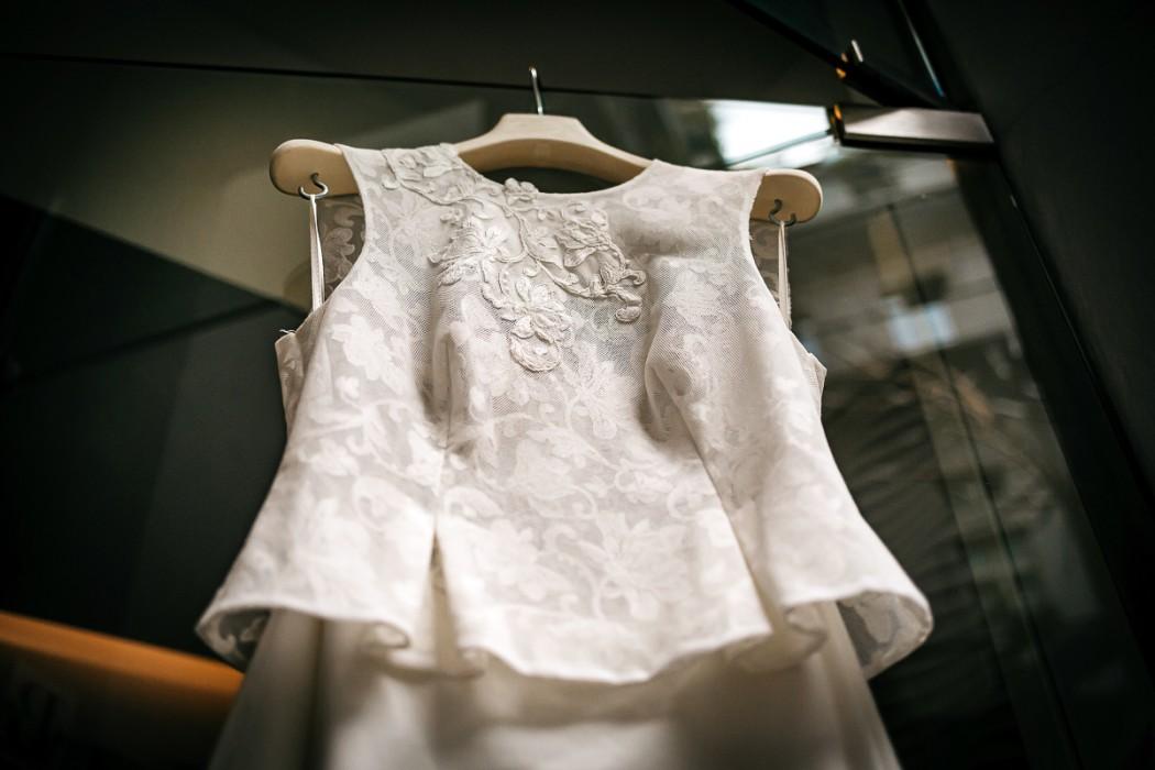 Matrimonio al The Number 6 di Torino, palazzo Valperga Galleani, abito della sposa collezione Il Sogno di Maura Brandino
