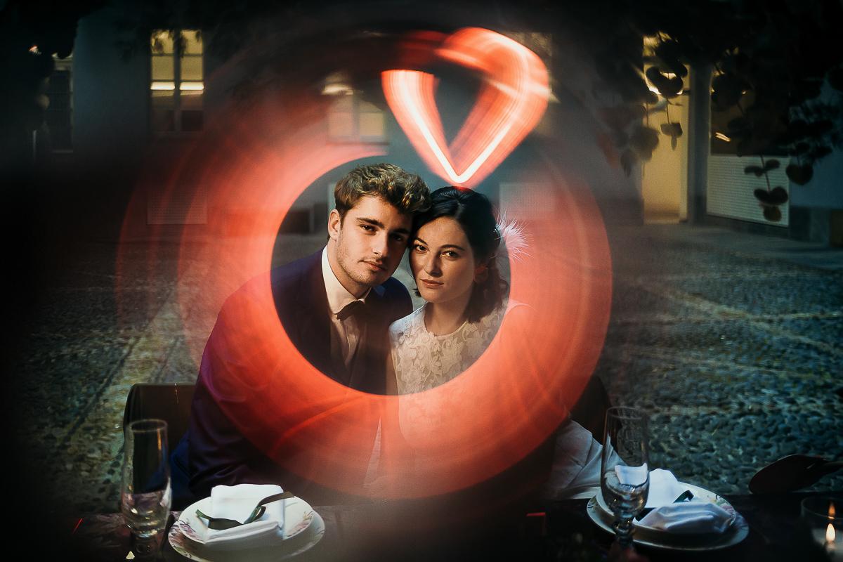 matrimonio a Torino al The Number Six di Via Alfieri 6, sposi a cena, installazioni luminose