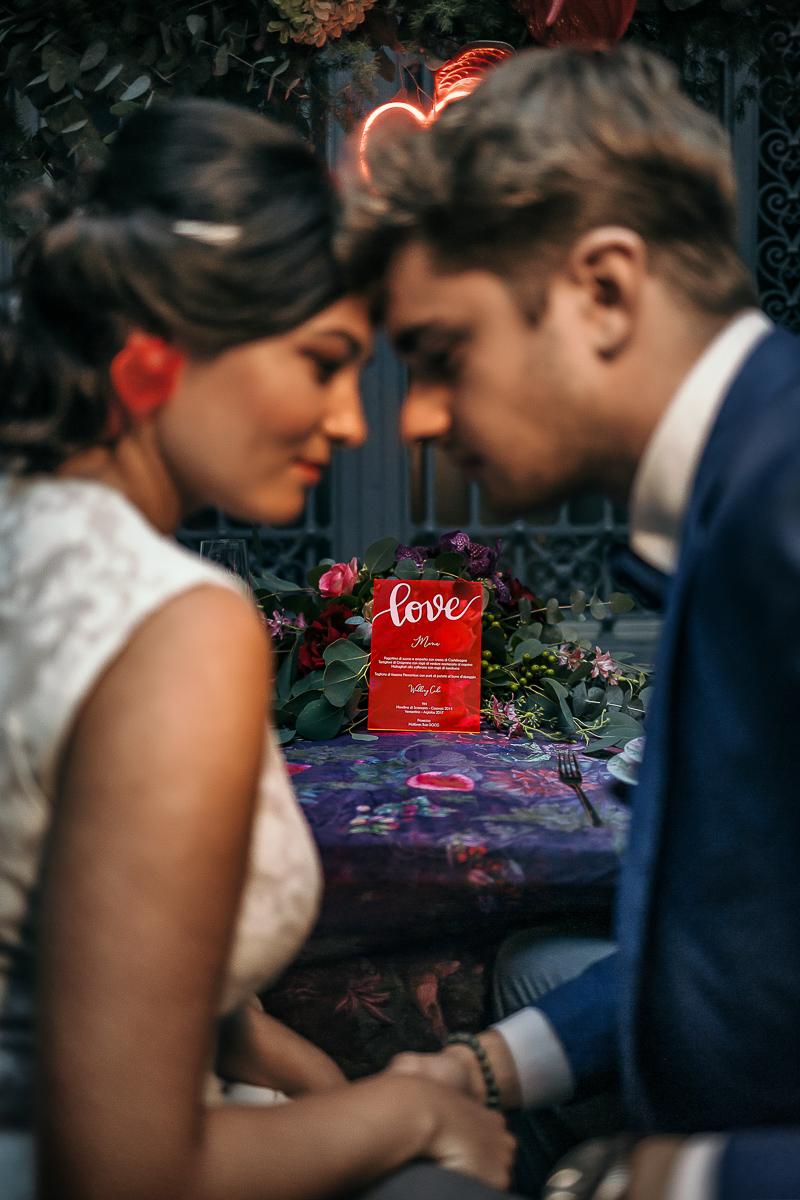 matrimonio a Torino al The Number Six di Via Alfieri 6, sposi a tavola a cena, menu e partecipazioni in plexiglass